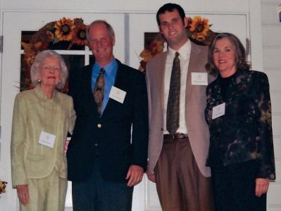 https://cffound.org/images/uploads/donors/682/hubbard_family_picture_at_hubbard_house_event__main.jpg